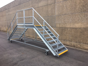 Dubbelzijdige verplaatsbare trap