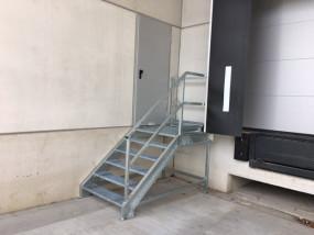 Laadkade trap